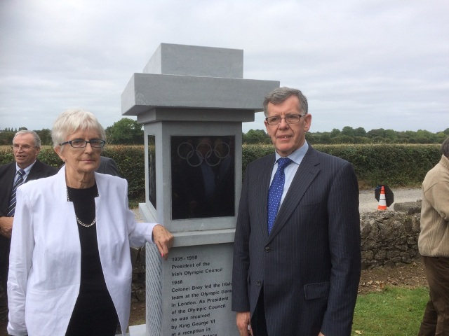 Unveiling of Col. Broy monument_web